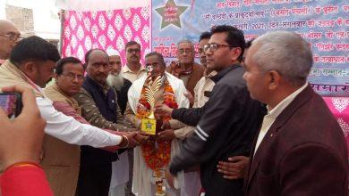 Photo of उत्तर प्रदेश फतेहपुर बिंदकी नगर के महरहा रोड पर बसंत पंचमी के शुभ अवसर पर साहित्य विकास समिति द्वारा काव्य समारोह का किया गया आयोजन |   (  पत्रकार राजकुमार विश्वकर्मा की खास रिपोर्ट )