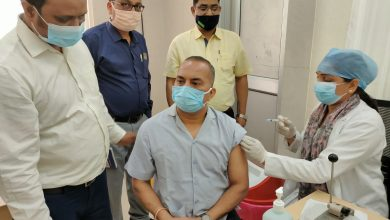 Photo of गोण्डा आयुक्त देवीपाटन मंडल श्री एस वी एस रंगाराव ने आज जिला अस्पताल में कोविड प्रोटोकॉल का पालन करते हुए कोविड वैक्सीन की दूसरी डोज का कराया टीकाकरण कोरोना वारयस का संक्रमण अभी नहीं हुआ खत्म |       ( निशिथ कुमार की खास रिपोर्ट गोंडा )
